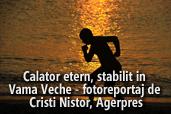 Calator etern, stabilit in Vama Veche - fotoreportaj de Cristi Nistor, Agerpres